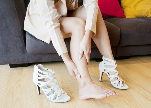 Proper footwear can help stave off fasciitis.